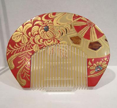 Antique Japanese Red/Gold Lacquered Kushi (Comb) Kanzashi (Hairpin) Set Inlaid with Aogai - Comb View