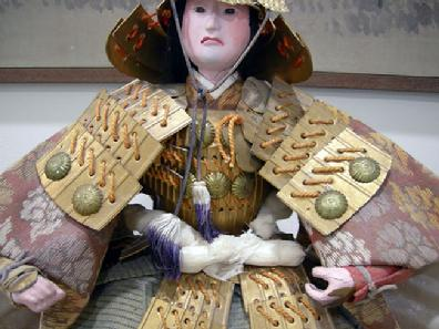 Large Antique Japanese Musha-e Ningyo (Warrior) Doll for the Boys' Day Festival - Minamoto no Yoshitune - View of Mid Section